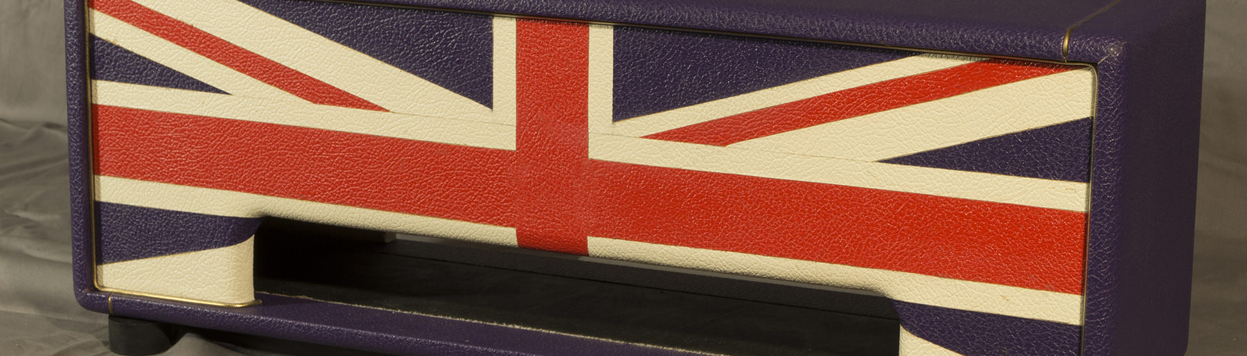 Union Jack Gitarrentop-Gehäuse in Lila